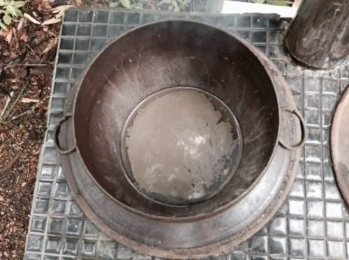 羽釜(鉄製)に入れる