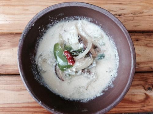豆乳とタイのスパイスで作ったトムヤムクン