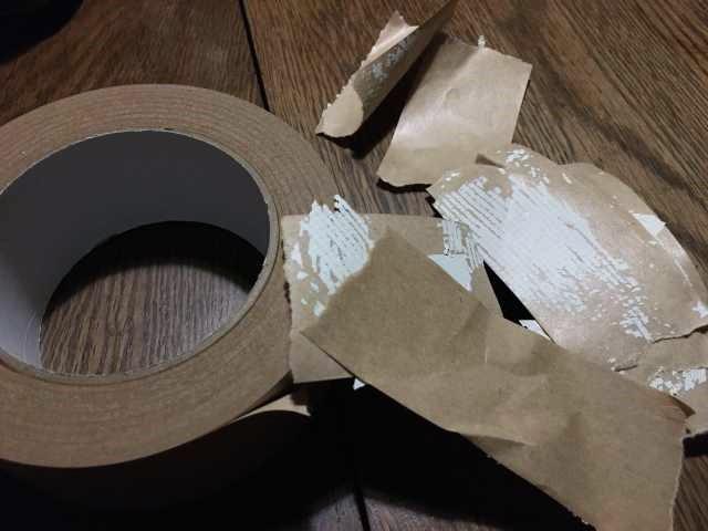 ガムテープで剥がす