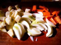 [レシピ][山小屋クッキング]薪ストーブで作るカレー|おまけ:プリン、ジャガイモの皮チップス