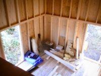 [セルフビルドの小屋][入植12日目] - 大雨でも問題なし。ロフト作りに取りかかろう!|タイニーハウスの作り方