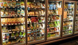 スーパーの冷蔵庫
