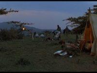 サファリとテント暮らし、寝台列車|愛と哀しみの果てより|映画に登場する小屋 その3
