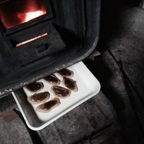 ストーブの下のオーブン
