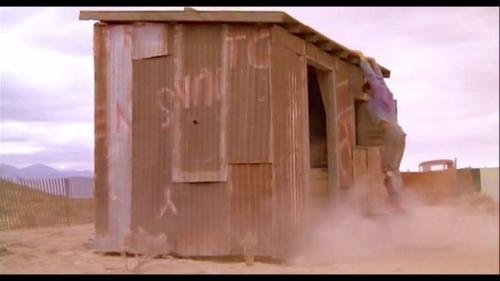トレマーズ 物置小屋