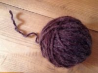 編み物初心者の、洗濯で縮んだウール帽子リメイク顛末